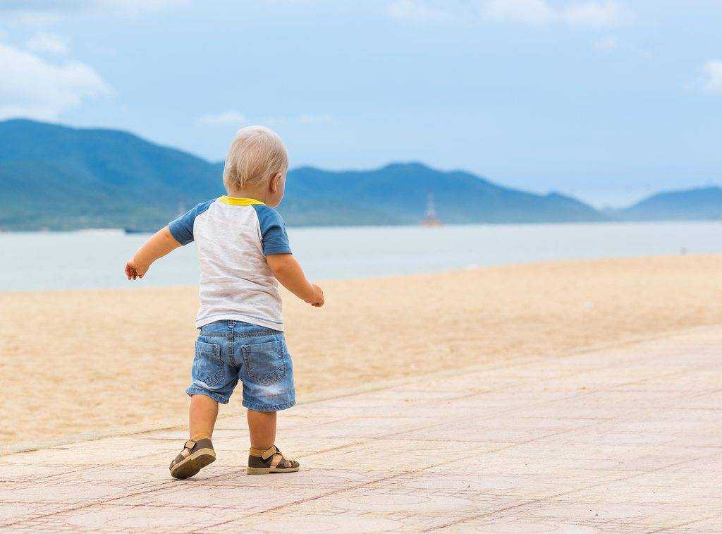 our tips to get your toddler walking.